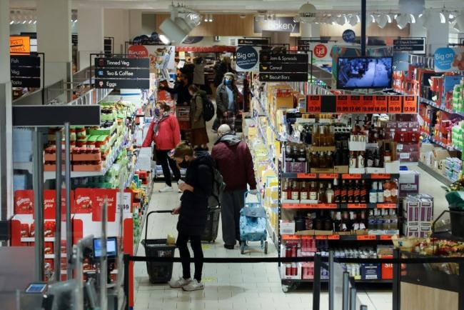 How to stay safe in supermarkets during lockdown. (JPI Media)