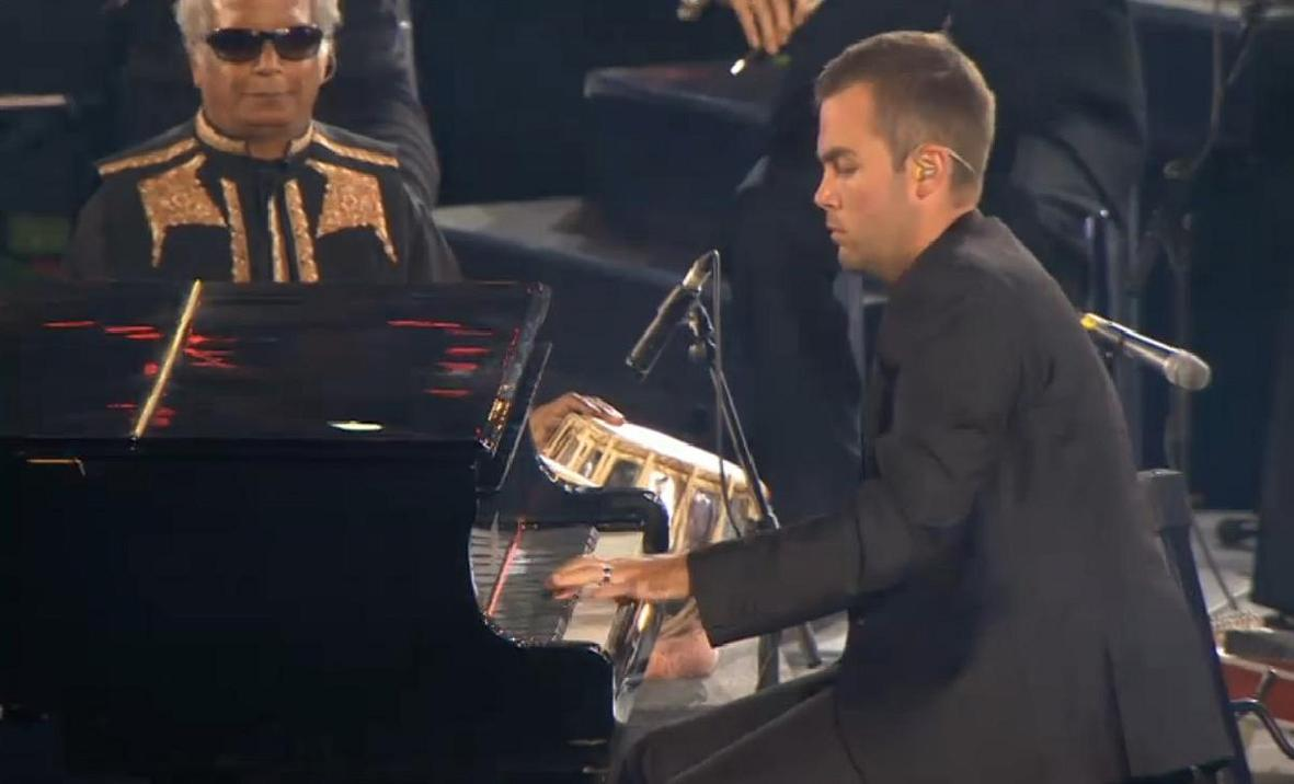 Inspirational one-handed pianist wows the world at Paralympics closing ceremony