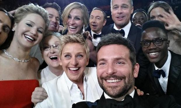 Chard & Ilminster News: Oscars host Ellen DeGeneres with a gaggle of stars at Sunday's ceremony. Photo: @TheEllenShow/Twitter