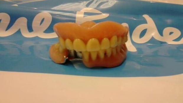 Chard & Ilminster News: Dentures found in shoes at charity store