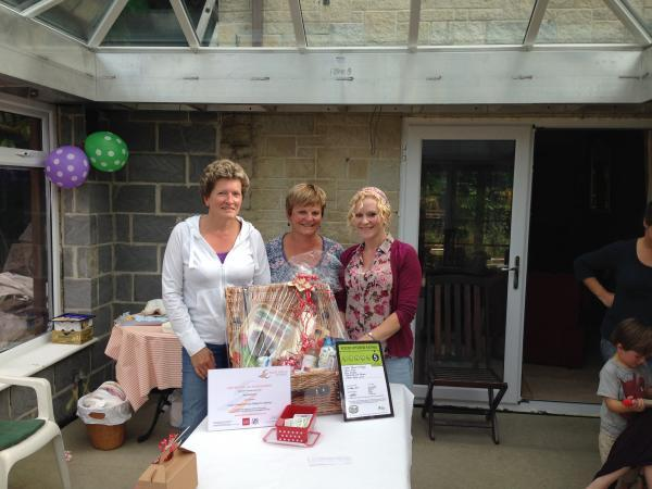 Family raise £68 for St Margaret's Hospice from cake sale