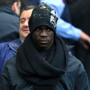Mario Balotelli completed his move to Liverpool from AC Milan on Monday