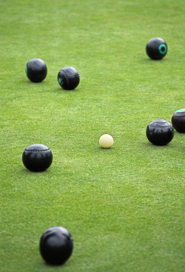 BOWLS: Tight contests in Milford and Dormor league