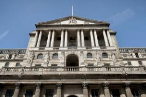 Bank of England policymaker backs stimulus measures as report points to slowdown