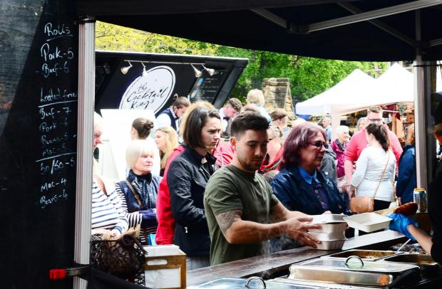 Chard & Ilminster News: PICTURES: Guests enjoy the sun at eat:Taunton